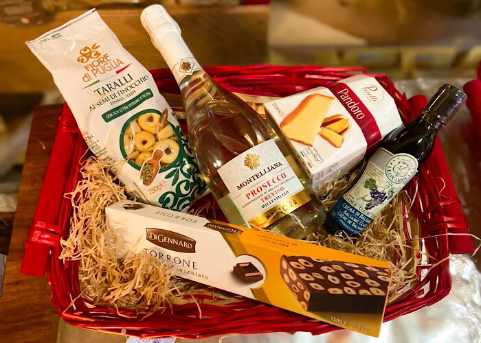 bubbles christmas hamper with prosecco and pandoro